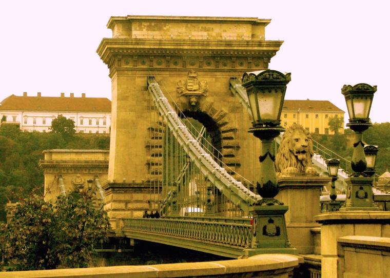 Budapest Chain bridge .jpg