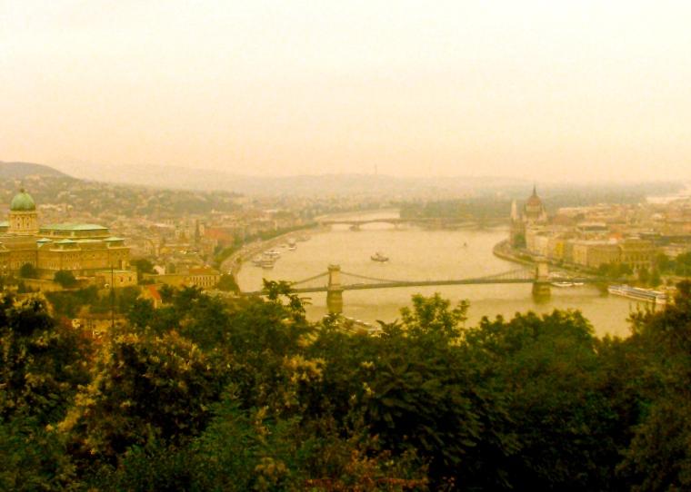 Budapest Gellért Hill.JPG