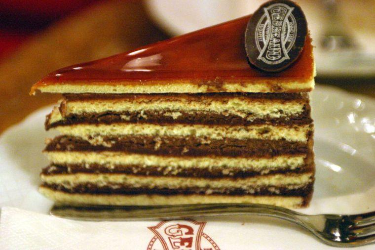 Dobos_cake_(Gerbeaud_Confectionery_Budapest_Hungary).jpg