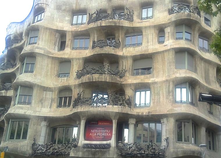 Casa Mila 1.JPG