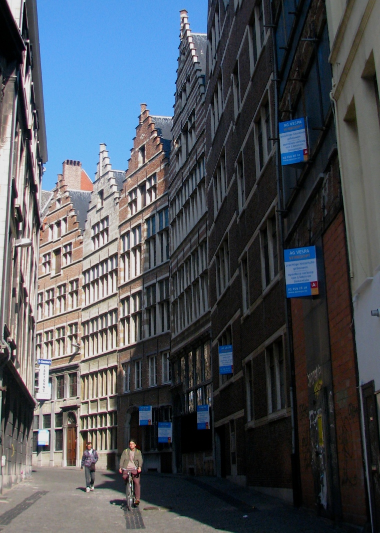 Antwerp old town 6.JPG