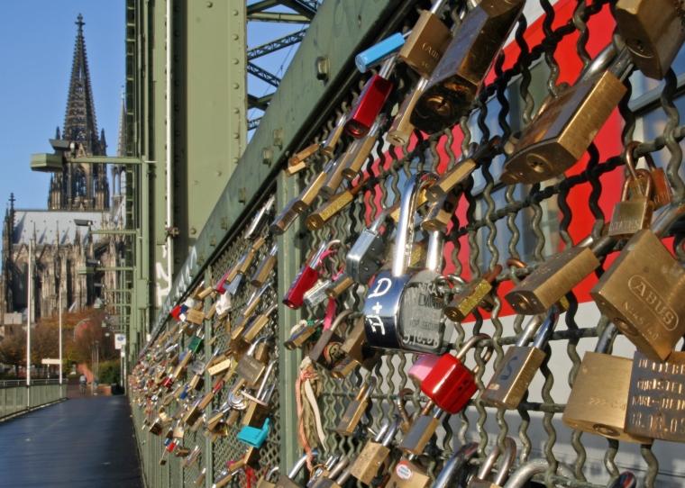 lock bridge.jpg