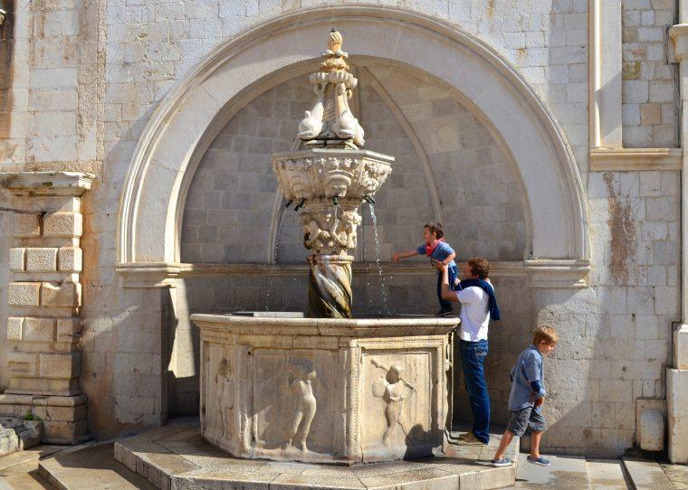 Loggia Square, Dubrovnik 7