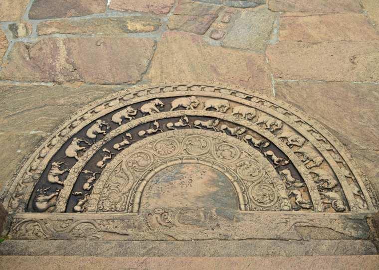 Polonnaruwa_Moonstone_Sri Lanka.jpg