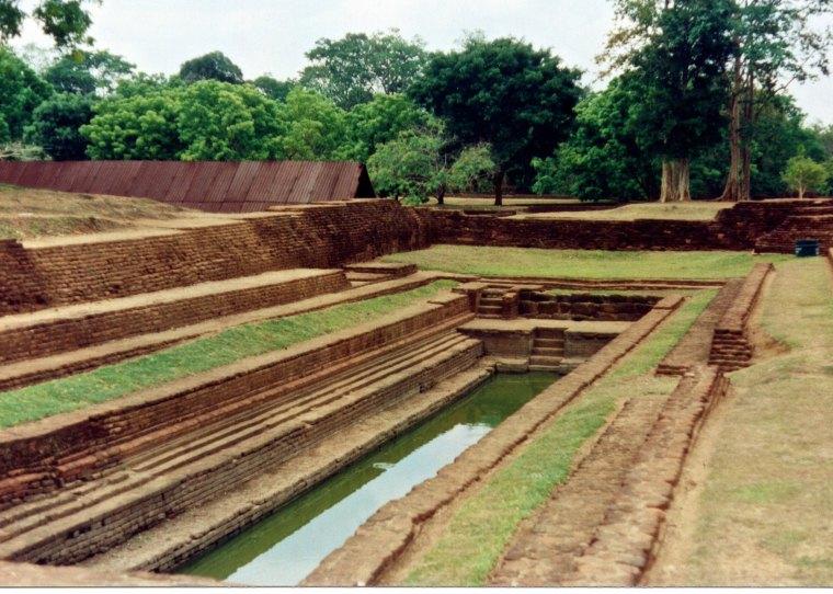 SriLanka_Sigiriya_gardens.jpg