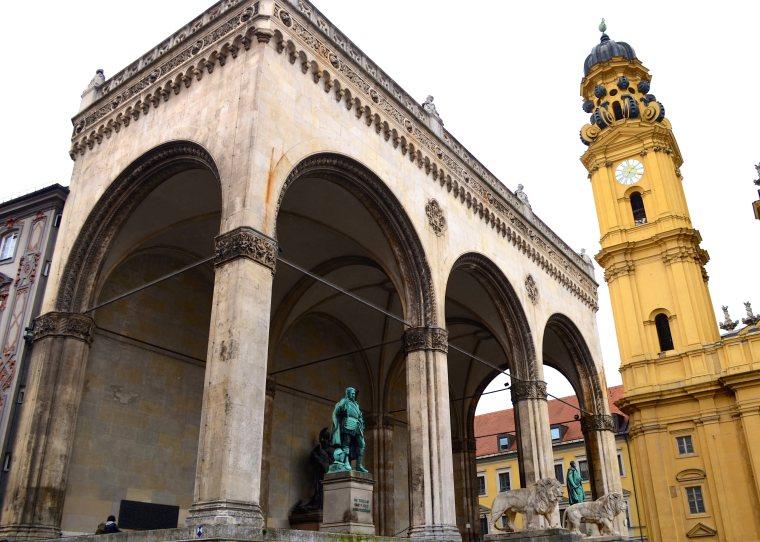 Odeonplatz_Munich_2