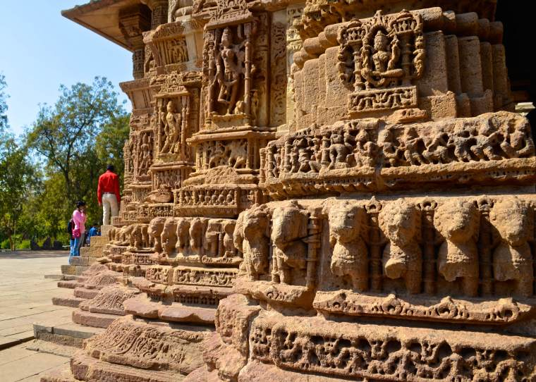 Sun Temple_Modhera_carvings_1
