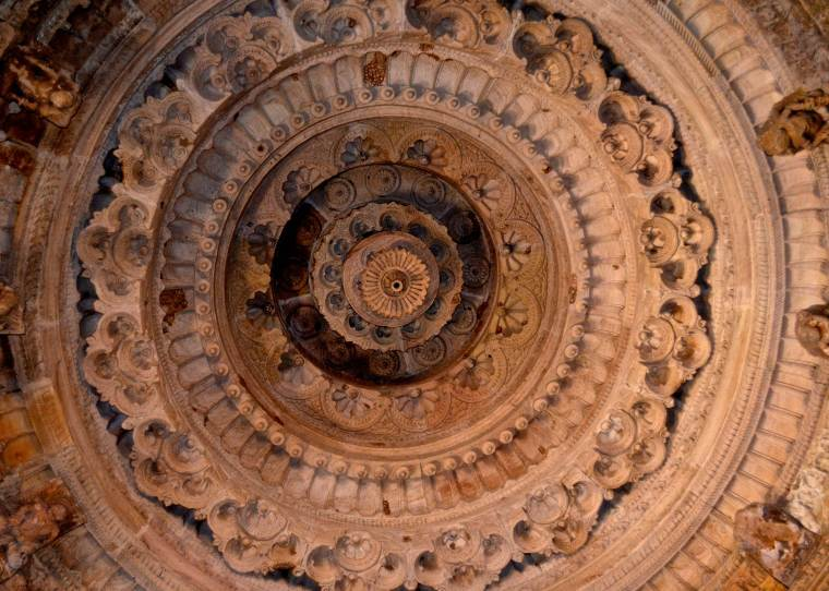 Sun Temple_Modhera_carvings_5
