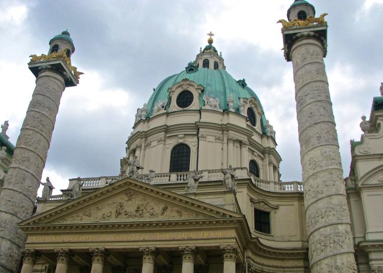 Karlskirche_Karlspltaz_Vienna.jpg