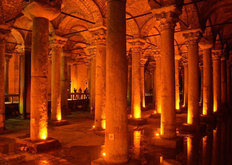 Basilica Cistern_Sultanahmet_Istanbul_1.jpg