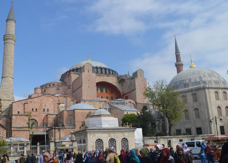 Hagia Sophia_Sultanahmet_Istanbul_1.jpg