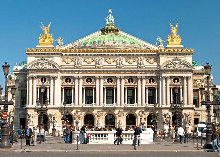 Paris_Opera_full_frontal_architecture,_May_2009.jpg