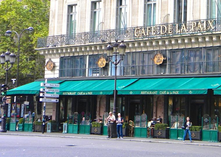 Place_de_l'Opera,_Cafe_de_la_Paix,_Paris.jpg