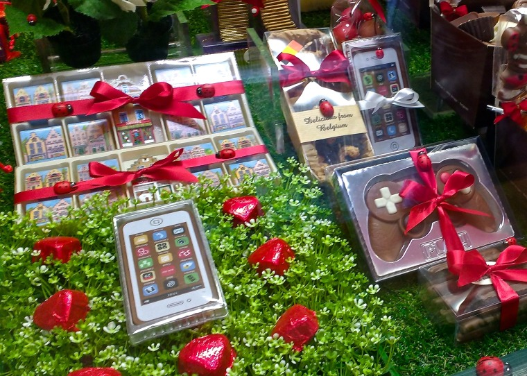 Chocolate_shop.001_-_Brugge.jpg
