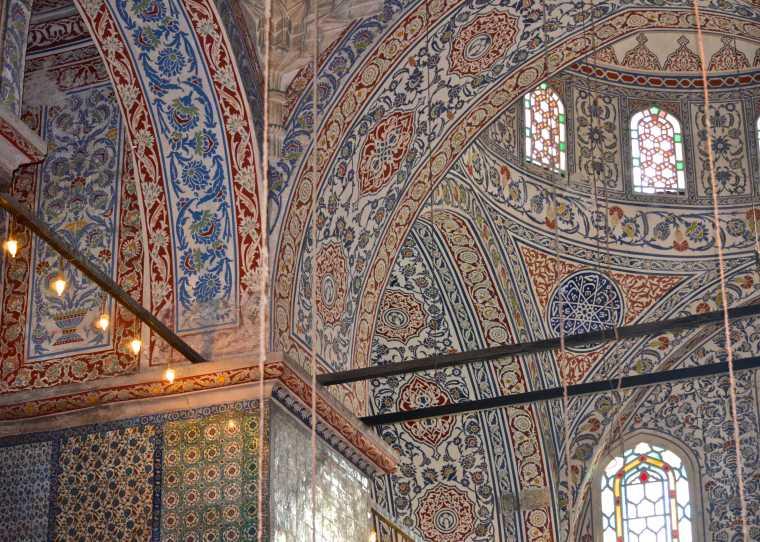 Iznik tiles_Istanbul_2.jpg