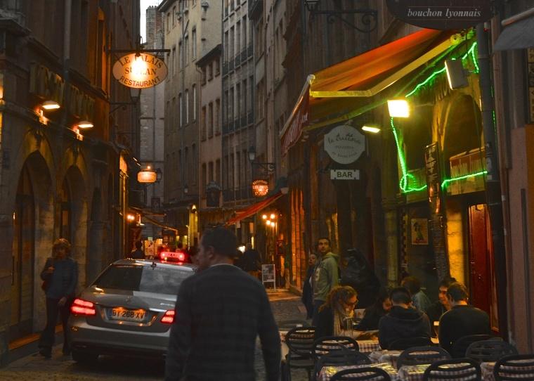 Bouchon_street scene_Lyon_France_1.jpg