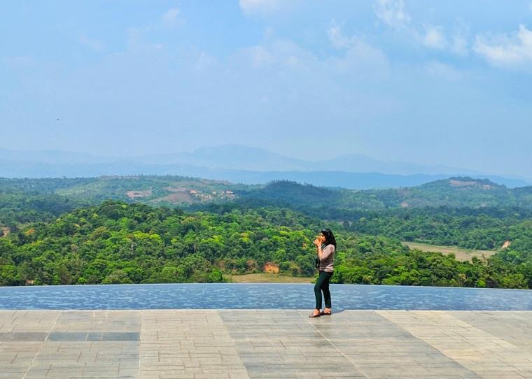 Lobby terrace_Taj Madikeri_1.jpg
