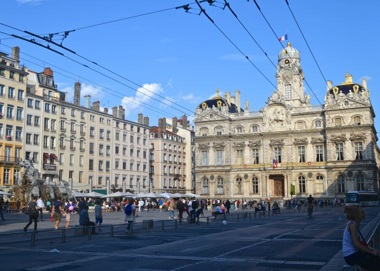 Place des Terreaux_Lyon_France_1.jpg