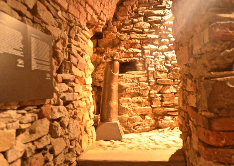 Cesky Krumlov_Castle_Cellar_1