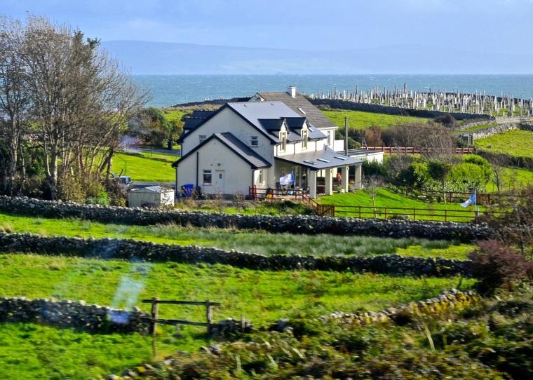 Connemara_Ireland_coastline_1