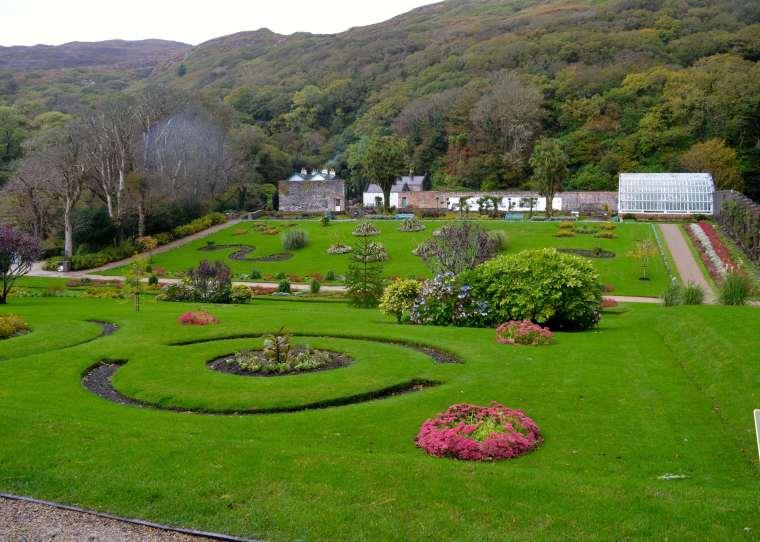 Connemara_Ireland_Kylemore Abbey_8.jpg