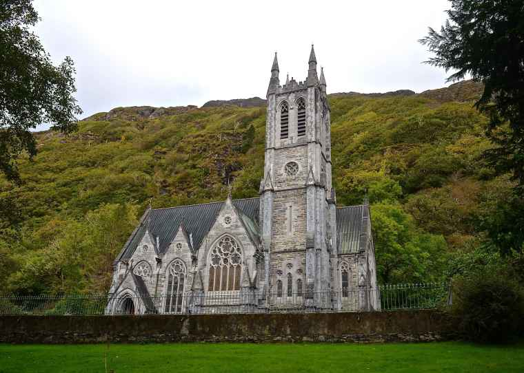 Connemara_Ireland_Kylemore Abbey_Gothic church.jpg