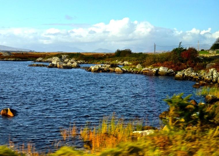 Connemara_Ireland_loch_1