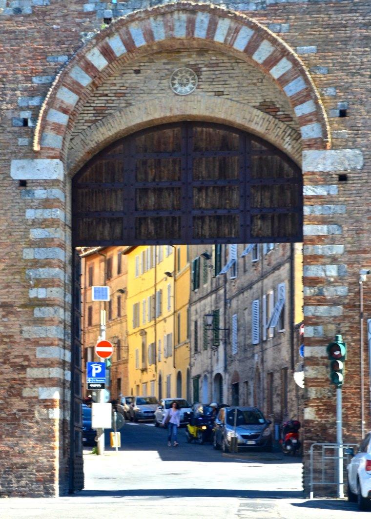 Siena_Tuscany_Gate