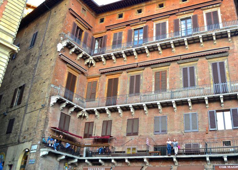 Siena_Tuscany_Piazza_Campo_1