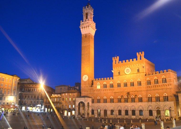 Siena_Tuscany_Piazza_Campo_3
