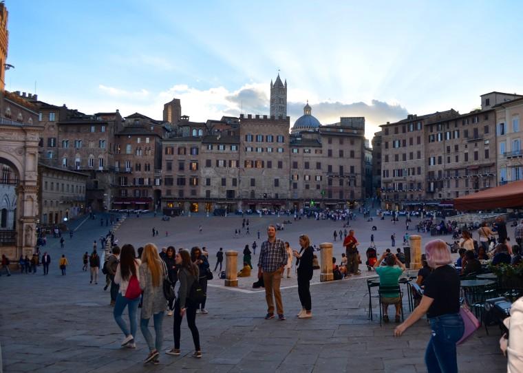 Siena_Tuscany_Piazza_Campo_5