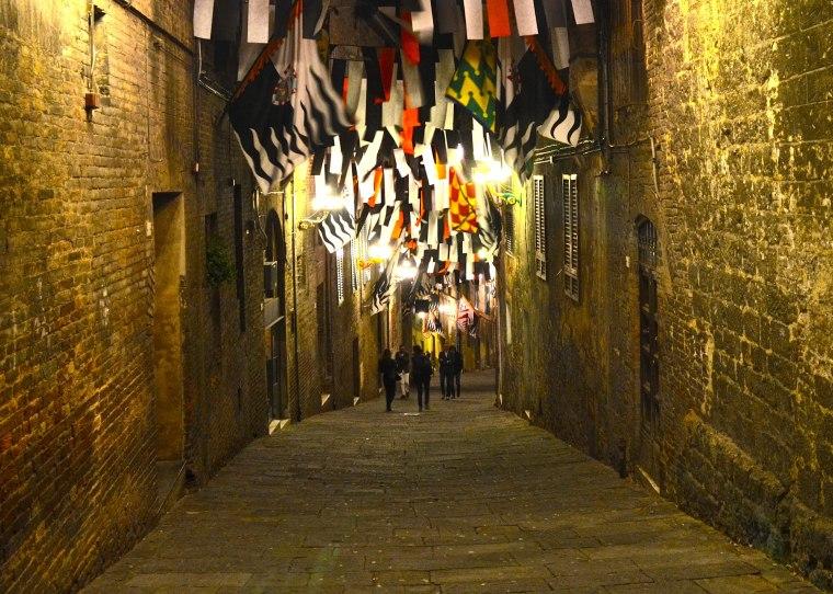 Siena_Tuscany_Street_1