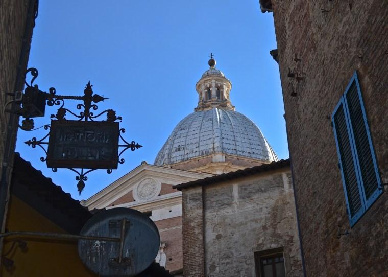 Siena_Tuscany_Street_10