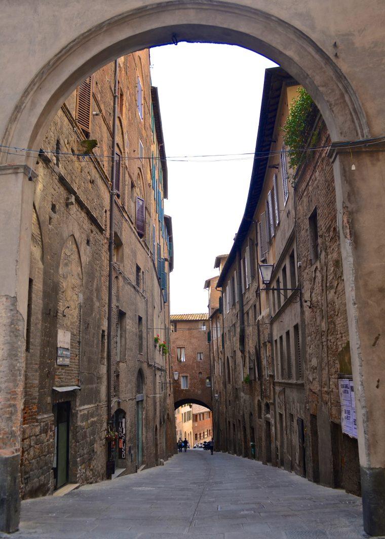 Siena_Tuscany_Street_2